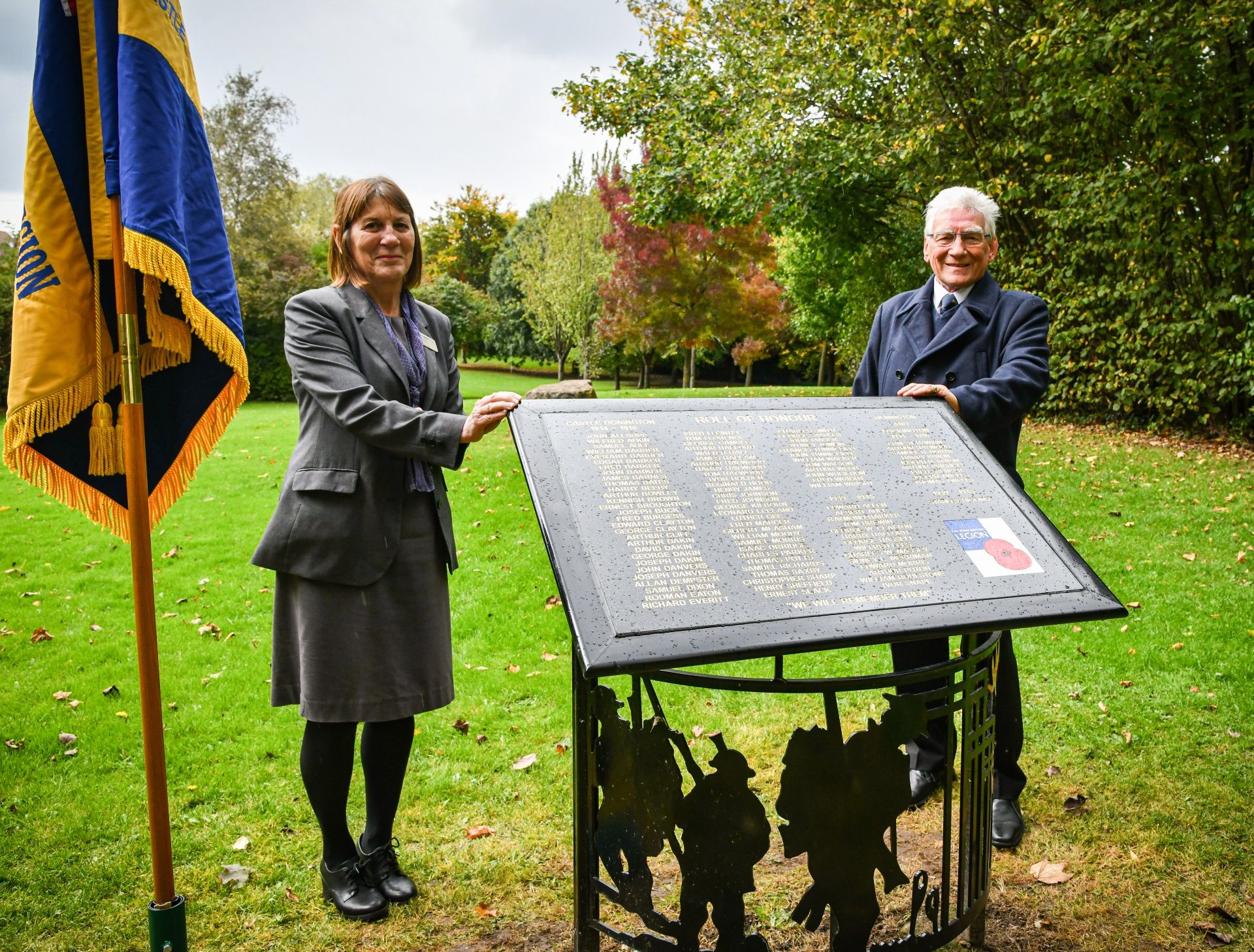 Memorial project paying tribute to townsfolk killed in the two world wars completed
